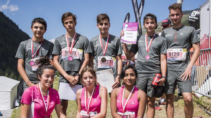 Quatre de ces huit jeunes du SEMO ont eu la chance de signer un contrat d'apprentissage à l'arrivée de la course Sierre-Zinal.