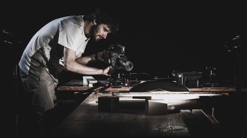 Un jeune vidéaste de Fully réalise des films montrant le skate sous un jour nouveau