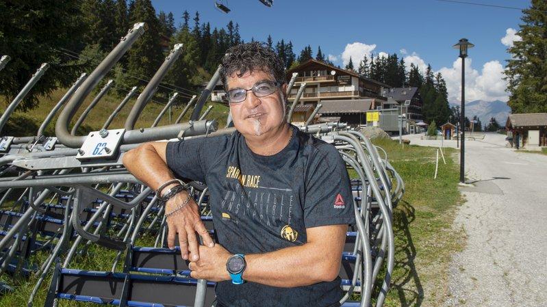 François Theytaz apprécie la marche nordique en été et les joies de la glisse en hiver face aux 4000.