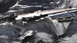 L'épave du Dakota C-53, qui s'était écrasé en 1946 sur le glacier du Gauli, refait surface