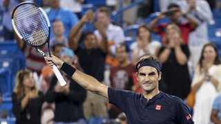 Tennis - Masters 1000 de Cincinnati: Roger Federer bat Stan Wawrinka en quart de finale