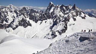 France: les comportements irrespectueux se multiplient dans l'ascension du Mont-Blanc