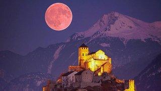 Eclipse lunaire: une photo modifiée de Sion fait débat