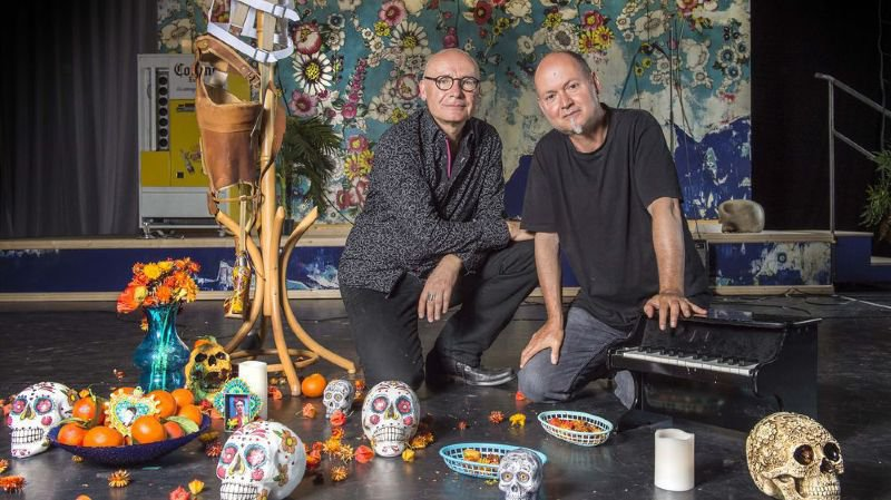 Denis Alber et Pascal Rinaldi de la compagnie de l'Ovale créent «Frida, jambe de bois» au Théâtre du Crochetan à Monthey.