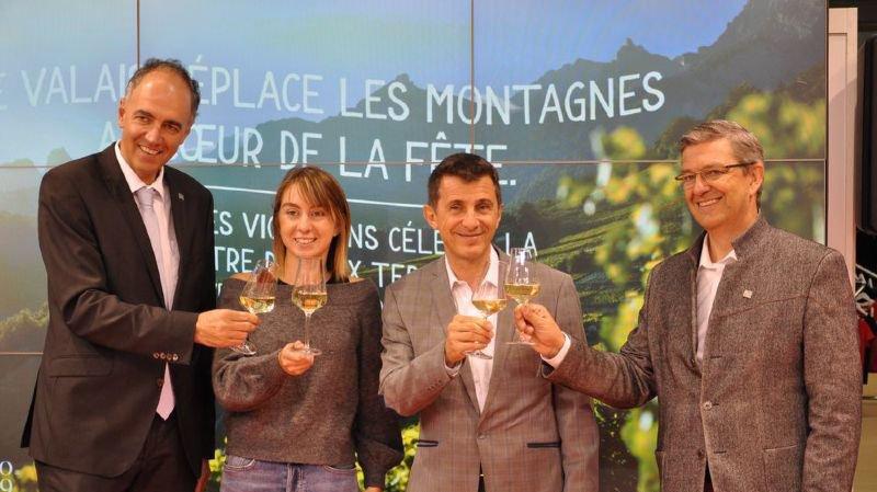 Christophe Darbellay, Line Dorsaz, Frédéric Hohl et Damian Constantin ont trinqué en l'honneur du Valais qui aura sa journée officielle le 26 juillet 2019 à la Fête des vignerons de Vevey.