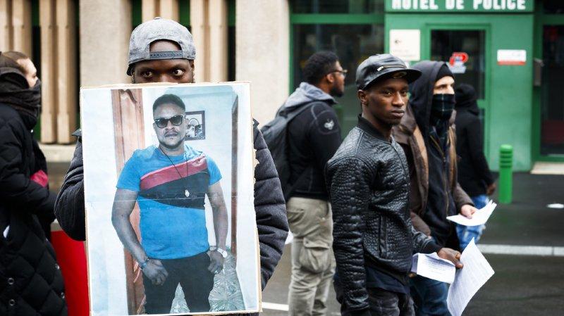 Plusieurs centaines de personnes s'étaient mobilisées après le décès de Mike, lors d'une grande marche dans Lausanne (archives).
