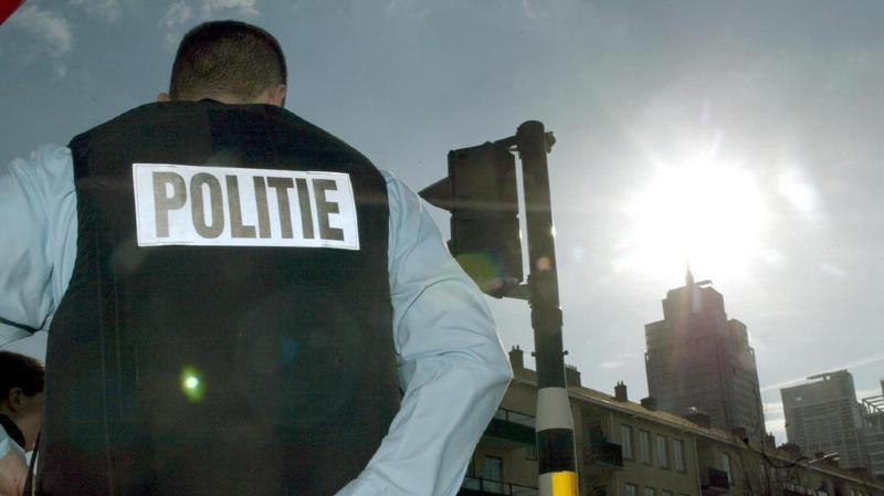 """Terrorisme: un """"attentat majeur"""" déjoué aux Pays-Bas, sept hommes arrêtés"""