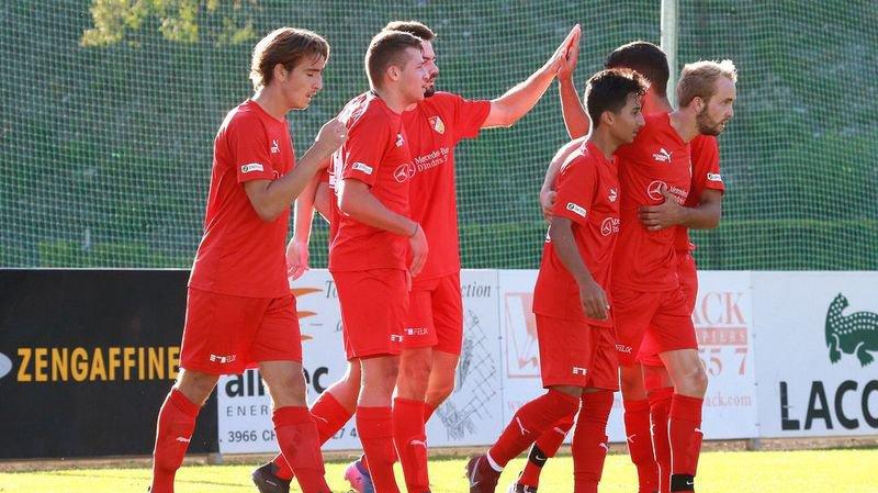 Les joueurs du FC Sierre, victorieux contre Signal Bernex Confignon, répéteront-ils ce geste lors du derby face à Monthey?