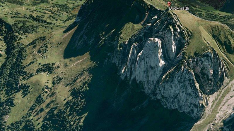 Une alpiniste de 28 ans fait une chute mortelle de 200 m au Bockmattli (SZ)