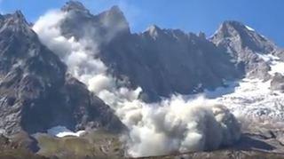 Un impressionnant éboulement dans le Val Ferret