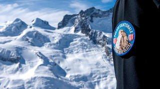 Saas-Fee: un alpiniste décède après avoir été emporté par une plaque de neige à 4200 m
