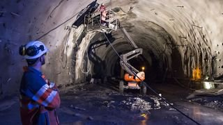 Sur l'interminable autoroute du Haut-Valais, le tunnel de Riedberg ne voit toujours pas la lumière