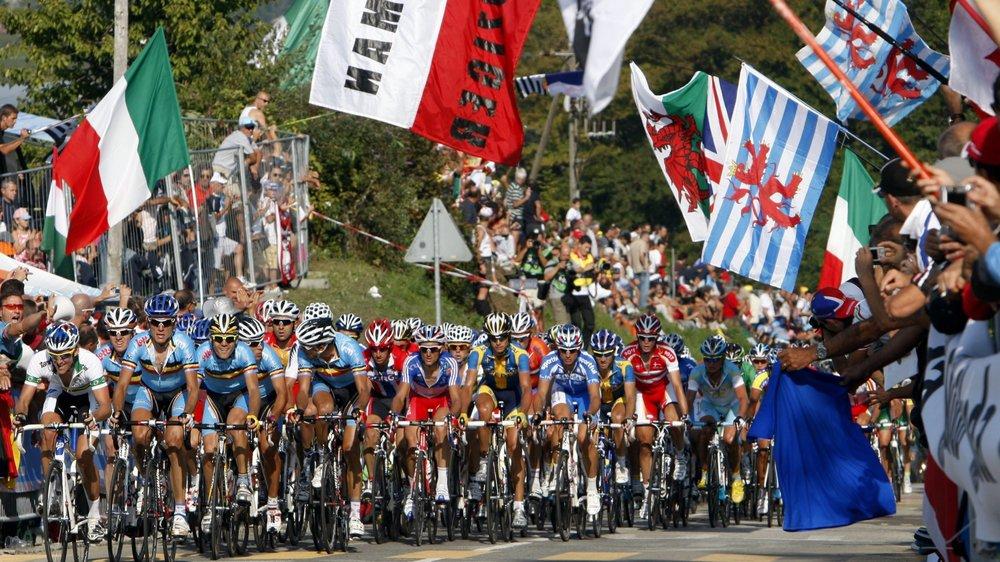 Ce sont 120 000 spectateurs qui se sont amassés le long des routes de Mendrisio lors de la course en ligne masculine pour encourager le peloton.
