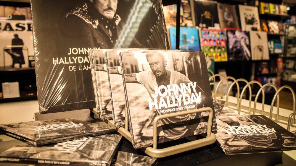 Avec plus de 100 000 préventes, le nouvel opus de Johnny Hallyday est déjà certifié disque de platine.