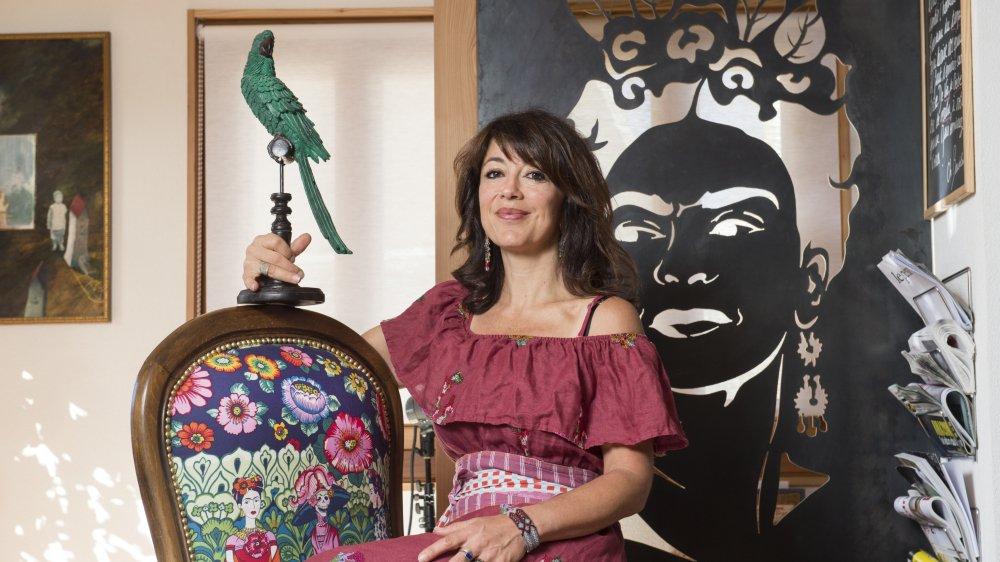 Chez Manuella Maury, la figure de Frida Kahlo est omiprésente. Son raccard prend de petits airs de «Casa azul».