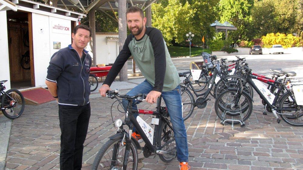 Alain Glassey (à dr.), responsable du réseau, et Alain Possa, chef de la station de Sion, à La Planta, sont très satisfaits du résultat de cette 10e saison de Valaisroule.