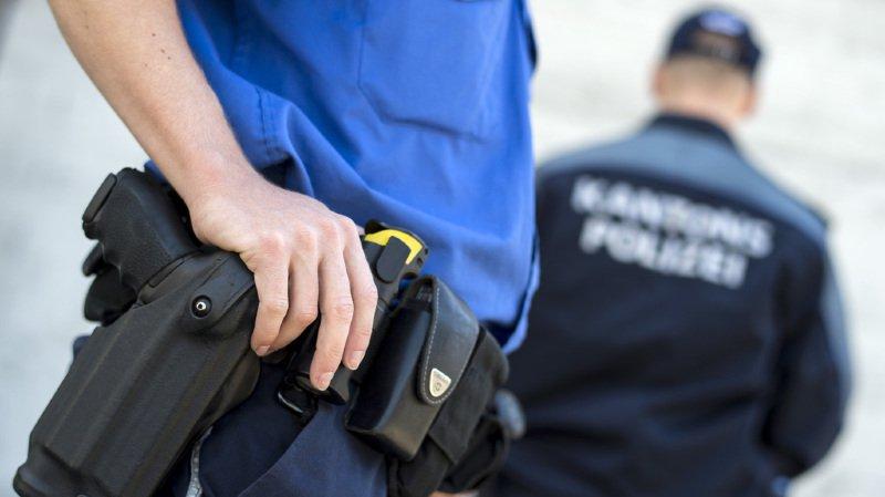Lorsque la police est arrivée sur les lieux, les trois hommes étaient déjà hospitalisés (illustration).