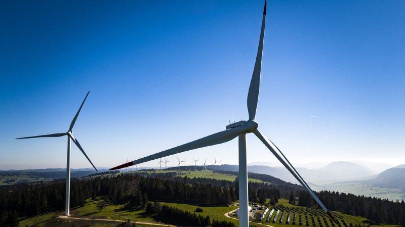 Les deux chercheurs estiment que l'impact des centrales solaires serait dix fois inférieur à celui des éoliennes, pour une génération d'électricité équivalente. (illustration)