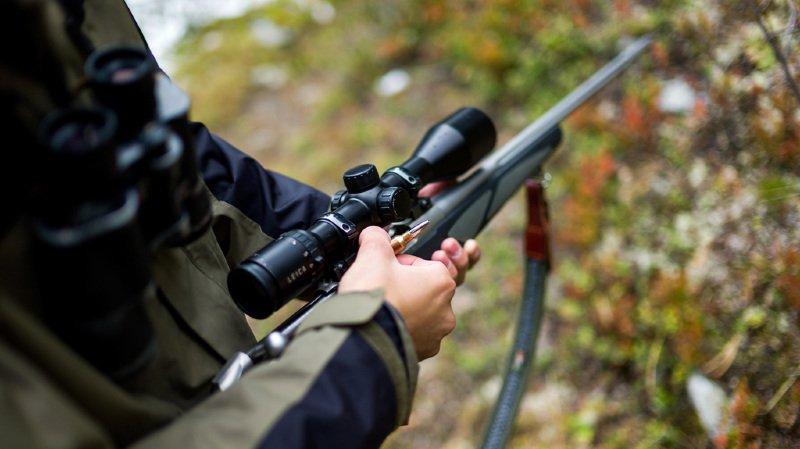 Haute-Savoie: un vététiste tué accidentellement par un jeune chasseur