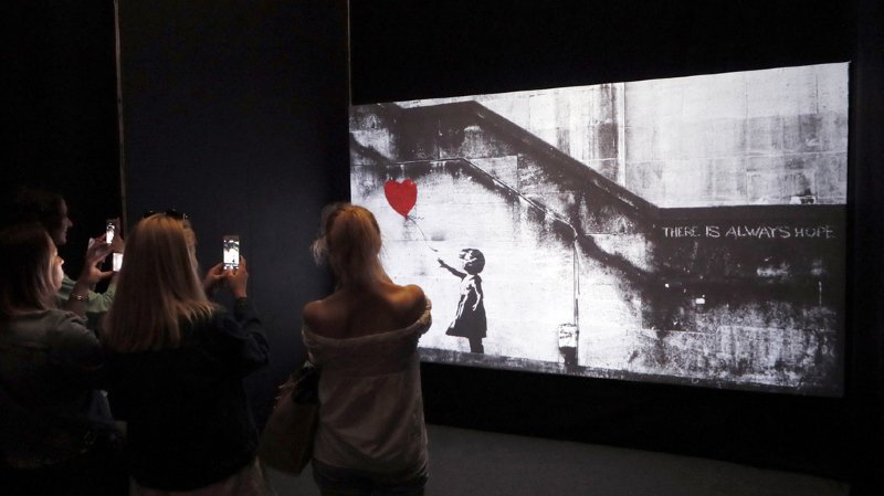 Insolite: une oeuvre de Banksy s'autodétruit après avoir été vendue à plus d'un million d'euros
