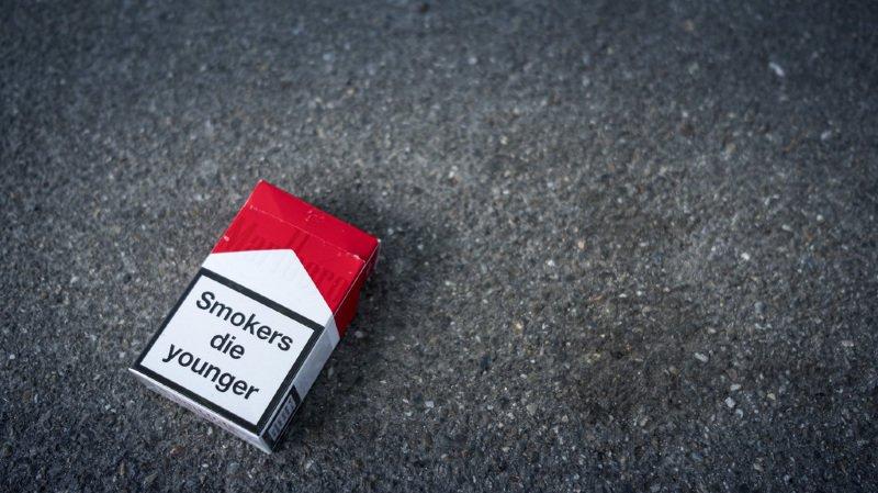 """Santé: des ONG appellent la Suisse à ratifier """"sans délai"""" la Convention anti-tabac"""