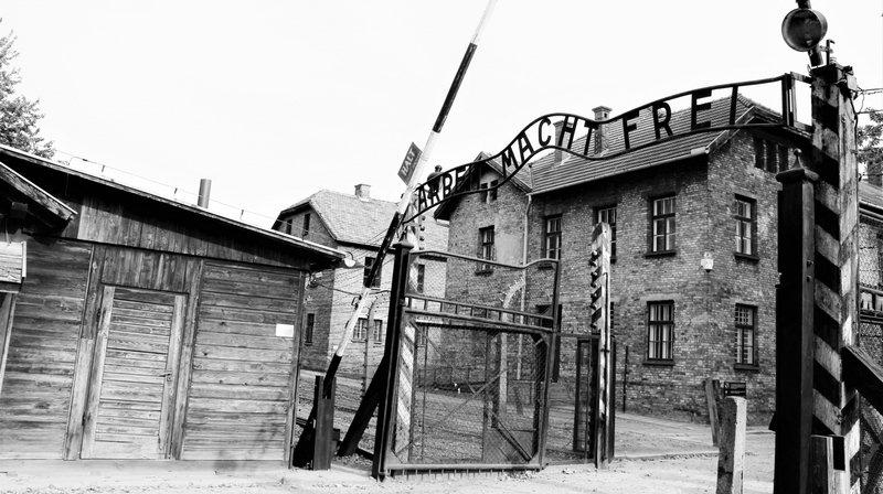 Le camp de concentration d'Auschwitz en Pologne qui a fait plus d'un million de morts.