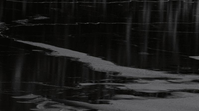 FR: voiture et conducteur sans vie dans le Lac Noir