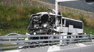 Treize blessés dans un accident de car au Tessin