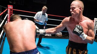 Boxe: Benoît Huber enlève son troisième combat chez les professionnels par arrêt de l'arbitre