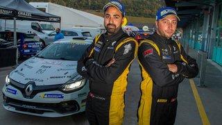 Le pilote de rallye Nicolas Lathion change de voiture entre la France et la Suisse