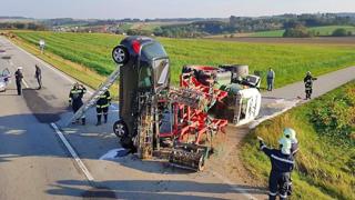 Autriche: voiture à la verticale après une collision avec un tracteur