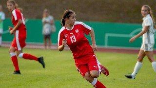 Malaurie Granges marque lors de la victoire de la Suisse M17 face au Kazakhstan