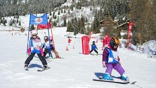 Le Valais réfléchit à remettre ses enfants sur des skis
