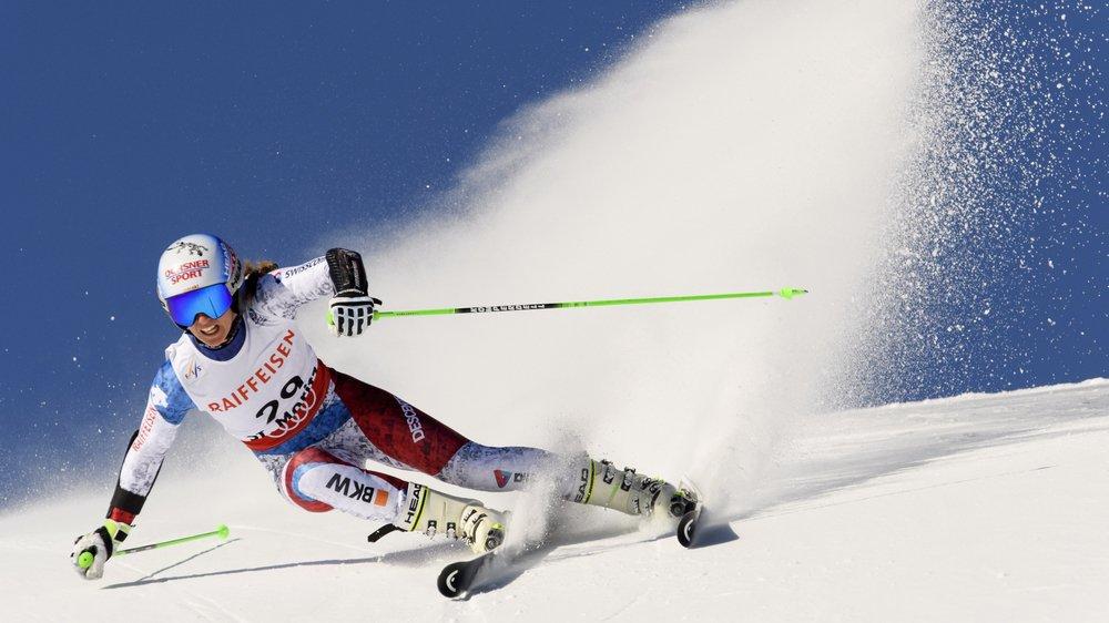 Camille Rast cherchera à décrocher le titre de championne du monde junior en géant lors de l'hiver à venir.