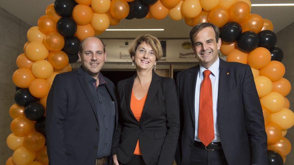 Serge Métrailler, président du PDCVr avec sa co-présidente et candidate aux Etats Marianne Maret et le président du PDC suisse Gerhard Pfister.
