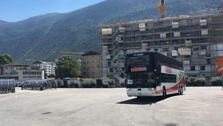 Les bus longue distance, qui proposent des voyages à prix bas, n'auront pas réussi à convaincre la clientèle valaisanne. Les arrêts de Sion et Martigny (photo, en juin dernier) seront abandonnés en novembre ou décembre prochain.