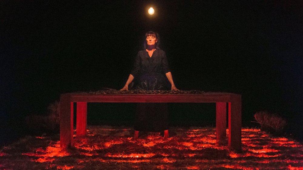 """En 2015, la vie de Françoise Bonvin était mise en scène au théâtre dans """"Sauvée des flammes"""", une pièce interprétée par Sylvia Fardel."""