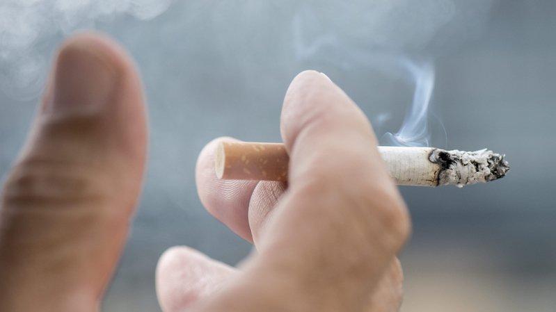 Achats tests en Valais: un tiers des commerces vendent toujours du tabac aux plus jeunes