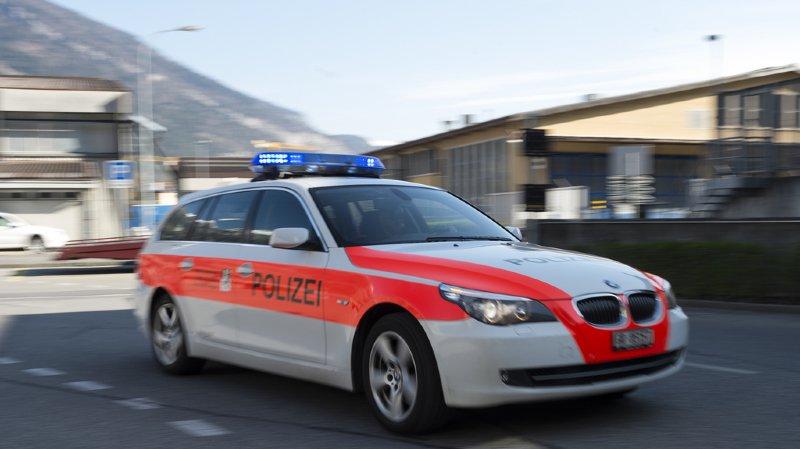 Grisons: un ancien policier poignarde sa femme