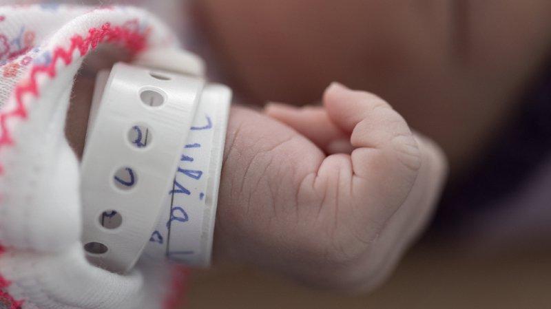 France voisine: onze cas de bébés nés sans bras identifiés aux portes de Genève