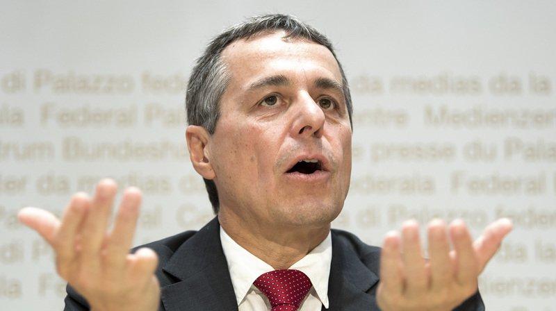 Successions Leuthard et Schneider-Ammann: Ignazio Cassis favorable à l'élection de deux femmes