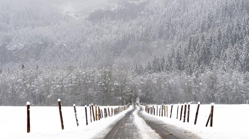 Dans les Grisons, ce sont de 30 à 70 centimètres de neige qui sont tombés sur certaines régions au-dessus de 1200 mètres.