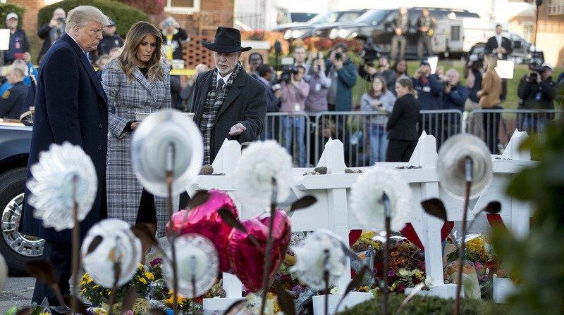 Etats-Unis - Fusillade de Pittsburgh: présence critiquée de Trump aux funérailles des victimes
