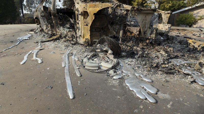 Californie: les violents incendies ont déjà fait au moins 23 morts
