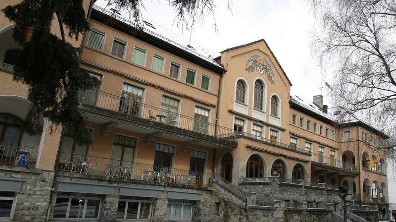 Installée depuis décembre 1996 dans les locaux de l'ancien hôpital de Sierre, l'ECAV va déménager, mais elle restera à Sierre.