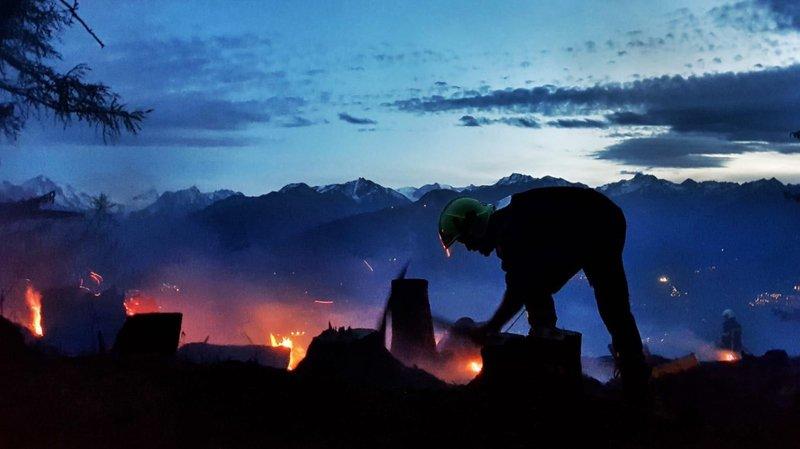 Feu de forêt à Savièse: l'incendie est entièrement maîtrisé