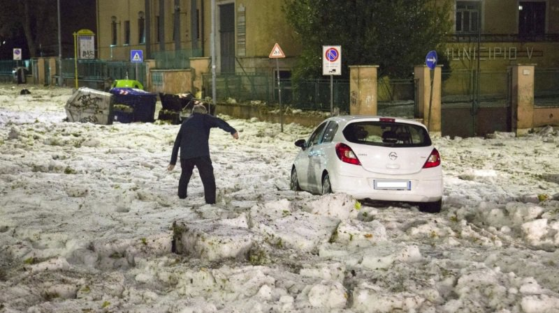 Des chutes de grêle impressionnantes à Rome — Italie