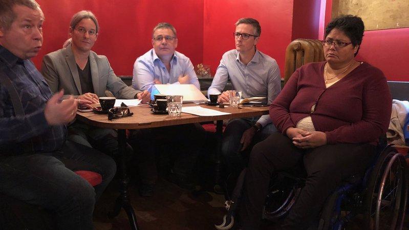 Denis Maret, Emmanuel Amoos, Raymond Borgeat, Philippe Cina et Margareth Brutsch ont présenté leurs arguments à la presse.