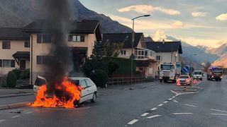 Voiture en feu à Riddes à proximité d'une station service