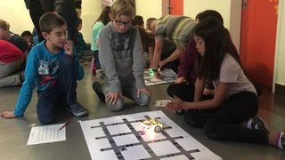 Les élèves ont testé le robot Thymio